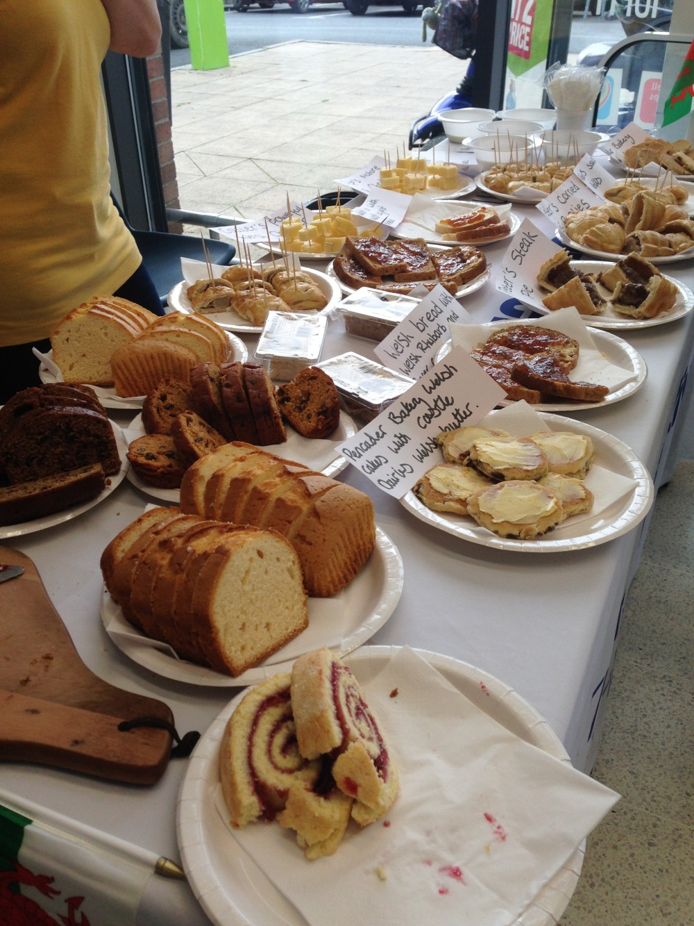 Co-op Community Champion arranges Welsh tasting day