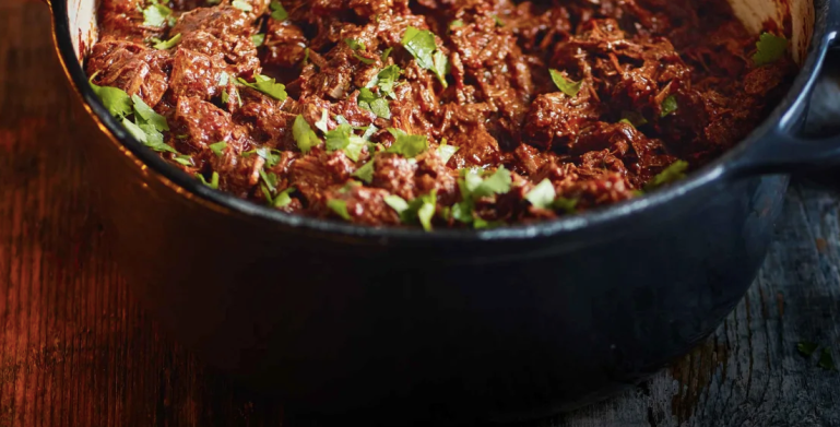 Weekend cooking slow cooker chilli